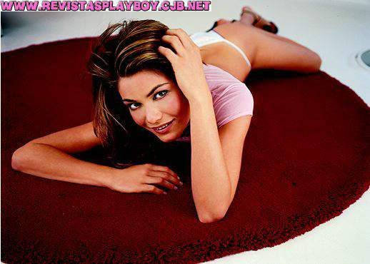 Michelly Machri pelada na playboy – Agosto de 2001